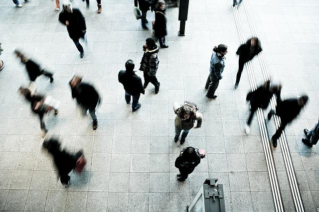 Pedestrians 1209316 640