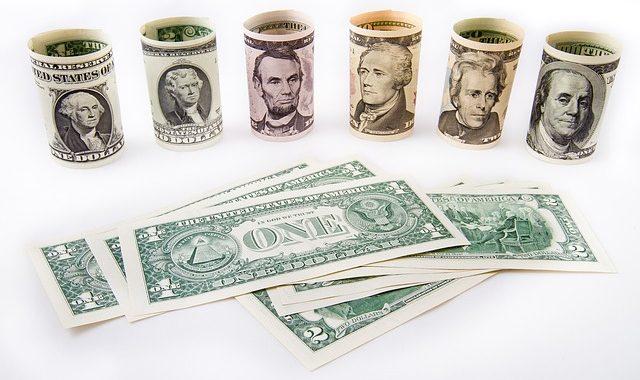 Dollar 1974692 640